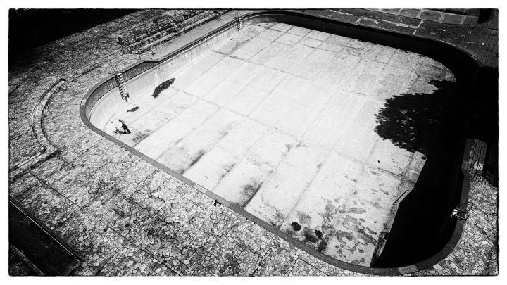 La preparazione della piscina Argelati alla stagioneestiva.
